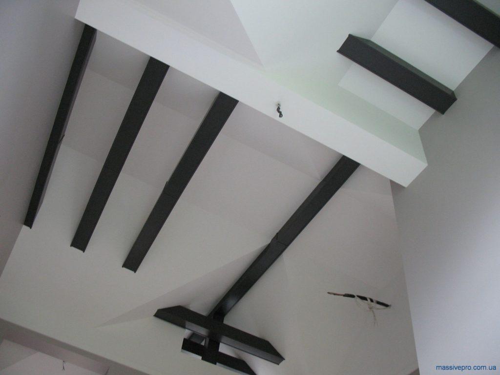 Декоративные балки на потолке из дерева от MassivePro