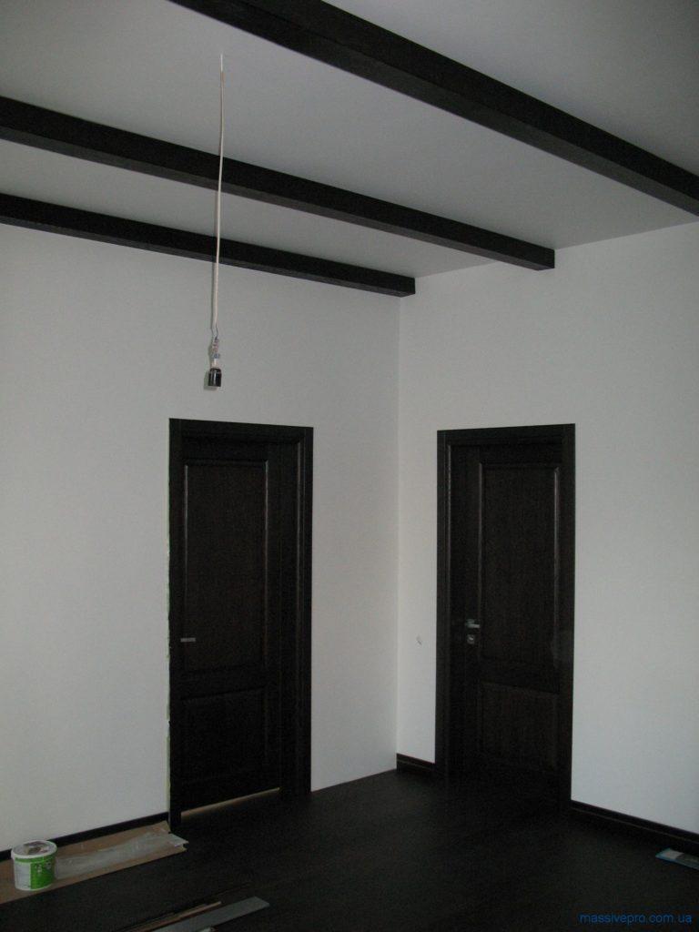 Деревянные балки на потолке от MassivePro